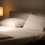 寝るときに最適な照明は?